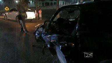 Acidente na BR-222 deixa motorista preso às ferragens, em Açailândia, MA - Houve outro acidente na BR-222, que deixou um motorista preso nas ferragens. Apesar da gravidade do acidente, a vítima não corre risco de morte.