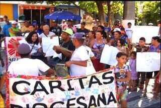 Catadores reivindicam coleta seletiva de lixo em Juazeiro do Norte - Eles fizeram protesto na manhã desta terça.