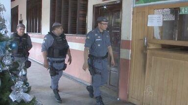 Após ações da PM, casos de violência diminui nas escolas públicas de Macapá - A violência nas escolas da zona sul de Macapá tem diminuído! Claro que ainda existem problemas, mas graças ao policiamento escolar muita coisa já mudou. Em algumas escolas furtos, roubos e brigas são coisa do passado