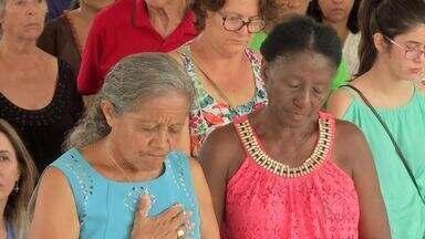 Devotos de Nossa Senhora Imaculada Conceição festejam em Várzea Grande - Devotos de Nossa Senhora Imaculada Conceição agradecem a graças recebidas, em Várzea Grande