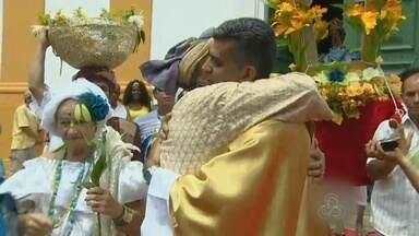 Abraço da Paz marca dia de Nossa Senhora da Conceição, no AM - Ato contra preconceito religioso uniu católicos e 'povo de terreiro'.