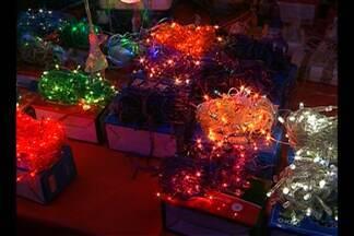 Veja dicas para economizar com a iluminação natalina - Saiba quais tipos de lâmpadas são mais econômicas.