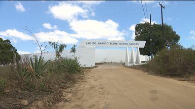 Dois internos que fugiram do lar do garoto foram localizados - Ao todo, cinco internos fugiram do Lar do Garoto na madrugada desta terça-feira.