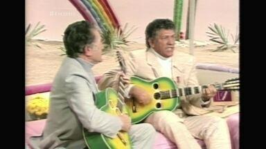 Tonico e Tinoco formaram a primeira dupla de sucesso do Brasil - Sérgio Reis e Renato Teixeira falam sobre a importância da dupla no cenário musical e relembra causos