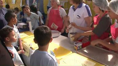 Escolas de Ponta Grossa incentivam empreendedorismo - As crianças vendem produtos feitos por eles em feiras realizadas nas instituições de ensino.