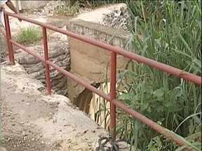 Calendário: Moradores de GV pedem melhorias na ponte sobre o Ribeirão Caladão - Quadro retornou pela 4ª vez ao local.