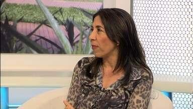 Gerente de Vigilância Epidemiológica fala sobre perigos do Aedes Aegypti - Magna Maria de Carvalho é entrevistada no estúdio do Jornal Anhanguera 1ª Edição.