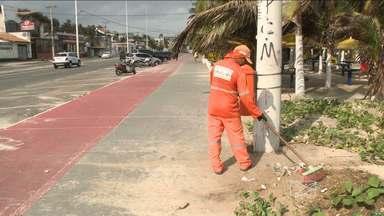 Agentes de limpeza voltam ao trabalho após paralisação em São Luís - Eles começaram a recolher o lixo acumulado durante três dias nas ruas e avenidas da capital.
