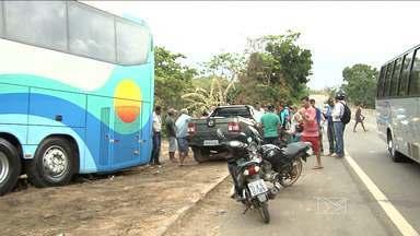 Acidente na BR-222 deixa dois mortos no MA - O acidente aconteceu por volta das três horas da madrugada, a cerca de 10 km do município de Santa Luzia.