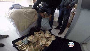 Quadrilha é acusada de desviar milhões da saúde pública no RJ - Materiais hospitalares, que deveriam ser destinados aos pacientes, eram desviados para uso em cavalos. Ministério Público afirma que golpe desviou R$ 48 milhões.