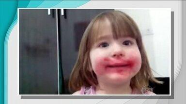 Mariana fica famosa na internet depois de comer batom da mãe - Especialistas dizem que o produto pode fazer mal. Veja o famoso vídeo da pequena Mariana.