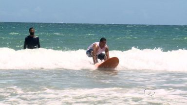 Esportes aquáticos que fazem sucesso no verão em Maceió - Além de diversão, prática ajuda na saúde do corpo.