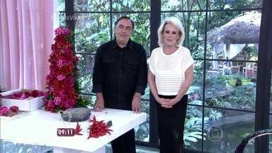 Vic Meirelles dá dicas de decoração natalina - Ele mostra como deixar a sua casa mais bonita para a ceia de Natal