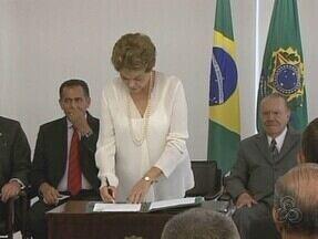 Dilma regulamenta Zona Franca Verde - Presidente participou de breve cerimônia no Palácio do Planalto.