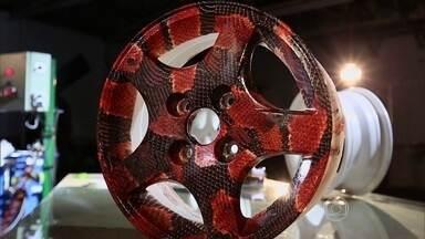 Conheça a adesivagem hidrográfica, nova forma de colocar cores e desenhos no carro - Conheça a adesivagem hidrográfica, nova forma de colocar cores e desenhos no carro.