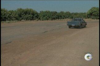 Situação das estradas que cortam os projetos irrigados de petrolina começa a mudar - Em algumas estradas, os buracos já foram tapados.