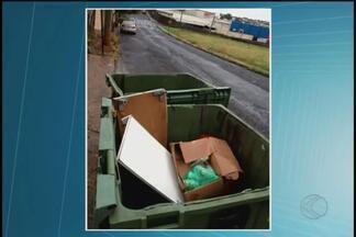 VC no MGTV: imagens denunciam lixo e descaso com prevenção à dengue em Uberlândia - Imagens foram feitas no Bairro Maracanã. Prefeitura recomenda que moradores tampem contêineres para evitar acúmulo de água.