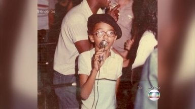 Dudu Nobre começou a cantar aos 5 anos de idade - Cantor diz que o momento inicial de sua carreira se deu quando começou a participar das escolas de samba mirins