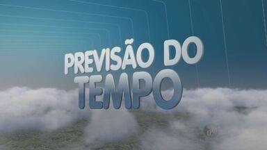 Confira a previsão do tempo para Campinas e região - Em Campinas (SP), a chuva deve insistir até sexta-feira. A previsão é de que chova forte nesta madrugada e na terça-feira.Depois, a temperatura começa a cair na região.