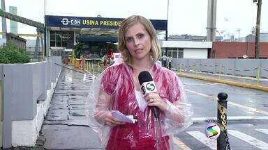 Sindicato dos Metalúgicos e governo do Estado se reúnem para discutir demissões na CSN - Encontro aconteceu no Rio de Janeiro; em dezembro, entidade disse que empresa pretendia dispensar 3 mil.