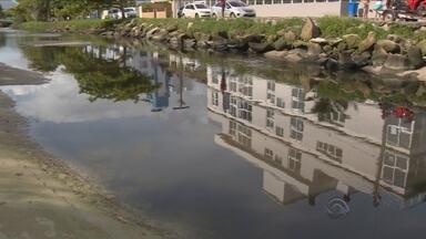 Governador fala em 'estado de emergência sanitária' sobre condições das praias da Capital - Governador fala em 'estado de emergência sanitária' sobre condições das praias da Capital