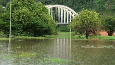Nível do Rio Iguaçu sobe com as fortes chuvas dos últimos dias - O nível do rio chegou a cinco metros e vinte centímetros.