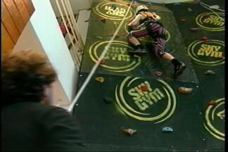 Escalada é opção de atividade física que trabalha o psicológico em Cruz Alta, RS - Assista ao vídeo.