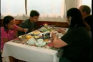 Fluxo de turistas argentinos no RS movimenta a economia local - Assista ao vídeo.