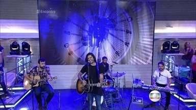 Fresno canta 'Acordar' - Banda leva música ao palco do Encontro