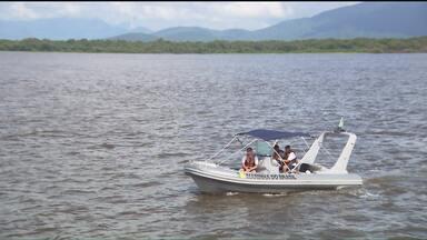Marinha fiscaliza barcos e embarcações no litoral do estado - Inspeções de rotinas são feitas diariamente de Guaratuba a Paranaguá.