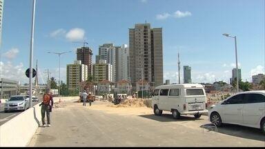 Prefeito do Recife faz visita técnica a obras da Via Mangue - Via expresa sentido Centro deve ser concluída até domingo (17)