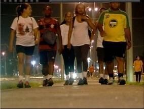 Nesta quinta-feira (14), fiéis caminham em homenagem a Santo Amaro em Campos, no RJ - Feriado de Santo Amaro tem programação durante o dia.