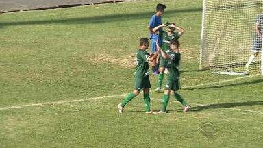 Times que vão disputar o Gauchão fazem amistosos de preparação para o campeonato - Ypiranga jogou contra o Guarani de Palhoça.
