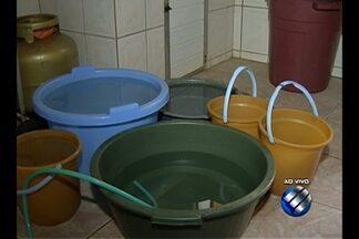 Moradores reclamam de constante falta de água no bairro do Guamá, na capital paraense - Segundo a comunidade, o problema é antigo: a água chega durante um certo período pela noite e depois vai embora.