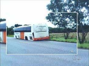 Ônibus em movimento perde rodas e assusta passageiros em rodovia no sul do Tocantins - Ônibus em movimento perde rodas e assusta passageiros em rodovia no sul do Tocantins