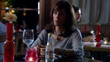 Melissa se preocupa com o estado de saúde de Murilo - Ramiro leva Tarso para casa e pede que Sheila tome conta dele