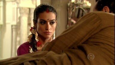 Surya fala mal de Maya para Amitav - Shanti ouve falar de seu possível noivo