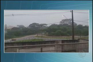 Telespectadores registram imagens da chuva em Uberlândia - Se você tiver alguma imagem curiosa mande para o nosso whatsapp (34) 9 9936-6415.