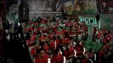 Dois ritmos embalam o bairro do Limão, na Zona Norte - Um deles vem da Morada do Samba, a morada da Mocidade Alegre. E faz o povo dançar um dia inteiro. Sem parar