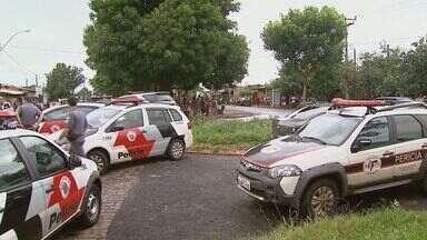 Três ficam feridos em troca de tiros na favela do Simioni em Ribeirão Preto - Avenida Magid Simão Trad foi interditada após tiroteio na tarde de sexta-feira (15).