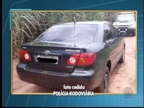 Polícia Rodoviária apreende mais de R$ 31 mil em veículo - Carro estava em um canavial, em Nantes.