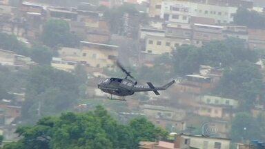 Operação no Gogó da Ema, no Rio, termina com um preso - Houve tiroteio entre os agentes da Polícia Civil e os criminosos. Um helicóptero foi utilizado na incursão.