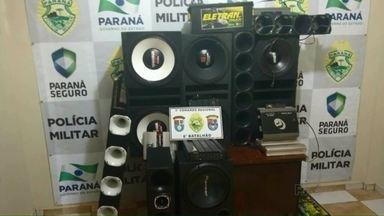 PM apreende 4 aparelhos de som automotivo no fim de semana em Paranavaí - Segundo a Polícia Militar, a multa para o motorista que abusar da altura do som pode passar de um salário mínimo e o aparelho ainda pode ser apreendido.