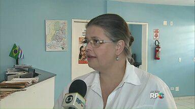 Prefeitura reduz postinhos que oferecem vacinação, em Ponta Grossa. - Das 37 unidades de saúde que ofertavam as vacinas, apenas 18 continuam.