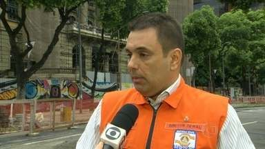Sirenes de alerta são acionadas em sete cidades do RJ durante chuva - Por causa da chuva, sirenes de alerta da Defesa Civil foram acionados em sete municípios da Baixada Fluminense e da Região Serrana.