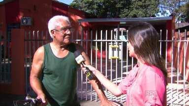 Moradores de Maringá estão sem água há uma semana - A previsão era que a água voltasse hoje de manhã para 100% da cidade, mas pelo menos 20 bairros ainda estão sem abastecimento.