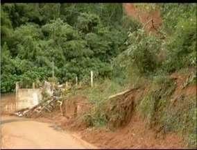 Defesa Civil considera ações antrópicas como causa de deslizamento em Teresópolis, no RJ - Abertura clandestina teria ocasionado o deslizamento.