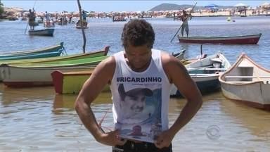 Morte do surfista Ricardinho completa um ano; família ainda luta por justiça - Morte do surfista Ricardinho completa um ano; família ainda luta por justiça