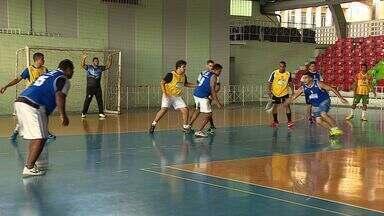 Ex-atletas resolvem voltar aos treinos no Handebol - Ex-atletas resolvem voltar aos treinos no Handebol