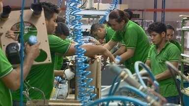 Empresas do Polo Industrial de Manaus aderem a programa para tentar evitar demissões - Programa é alternativa em época de crise econômica.